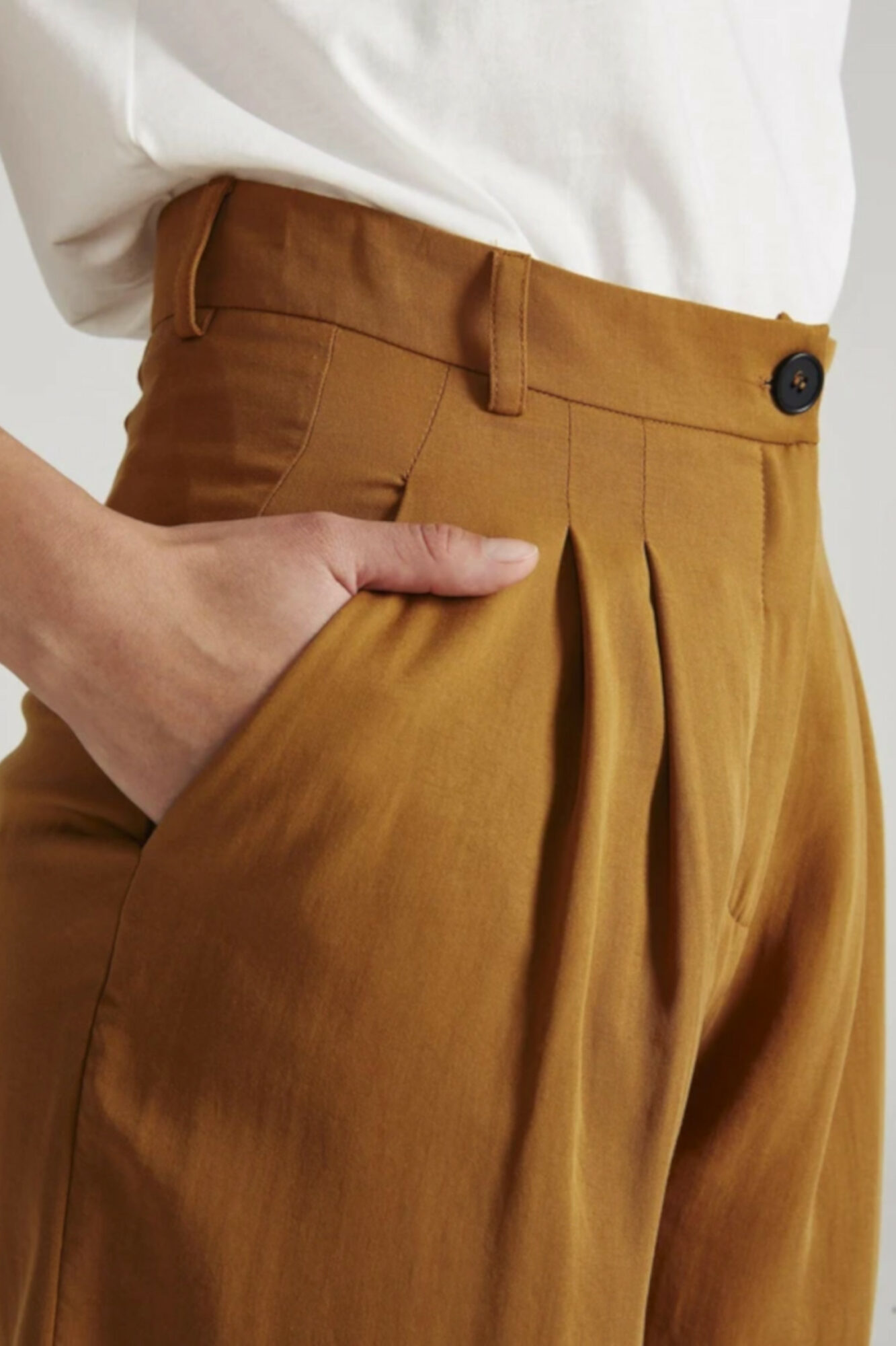 Givn Shorts Petra Rubber Brown 1