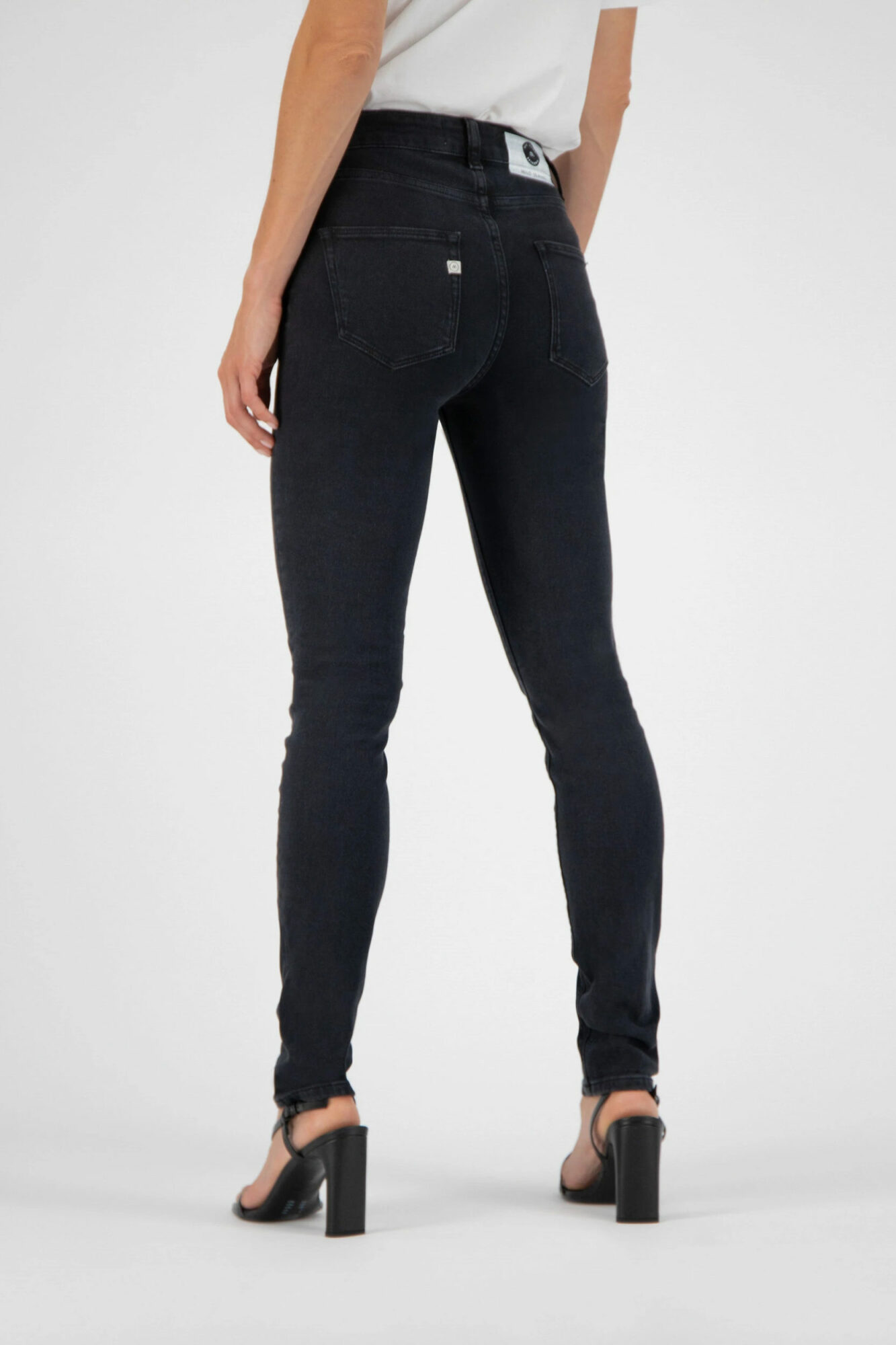 Mud Jeans Skinny Hazen Stone Black 3