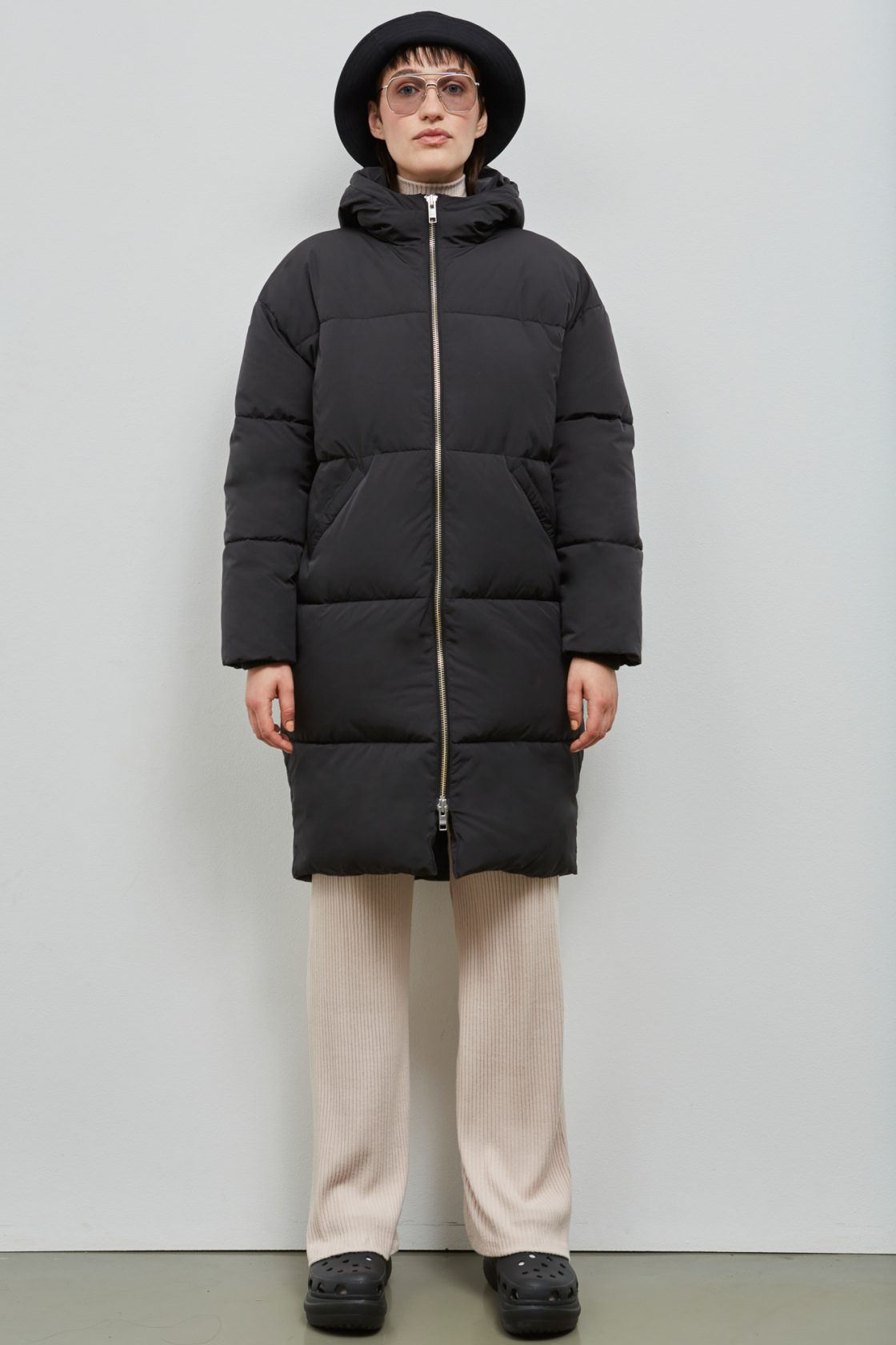 Elphin Down Coat Black 203 Embassy Of Bricks And Logs 001