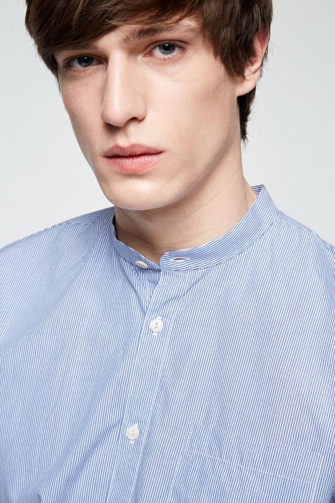roberta organic fashion Armedangels Hemd Männer Taal gestreift closeup
