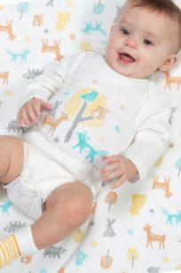 Niedlicher Baby-Body mit langen Armen und süßen Tieren von Kite
