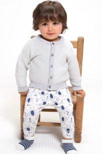 Strickjacke für Babys mit Grau /Weissen Streifen
