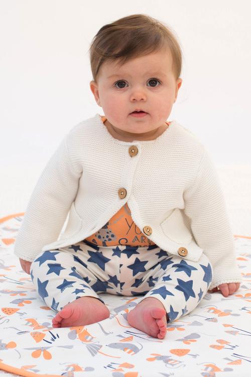 STrickjacke für Babys in weiß von Kite