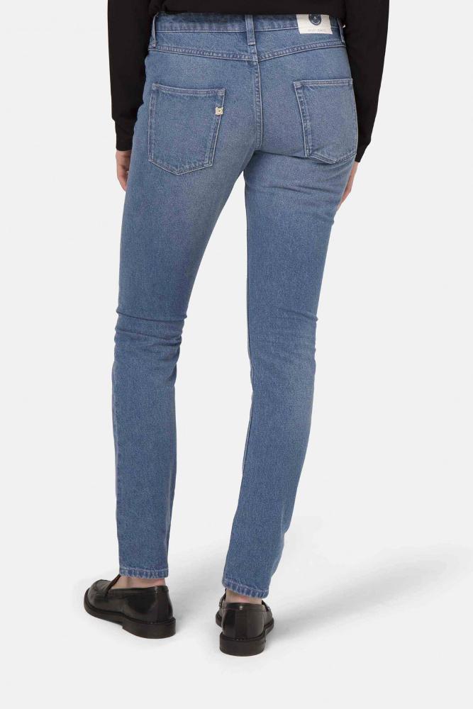 roberta organic fashion Mud Jeans Frauen Boyfriend Basin stone blue back