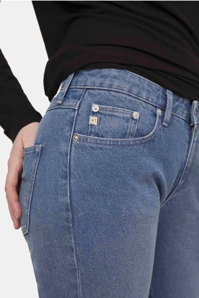 roberta organic fashion Mud Jeans Frauen Boyfriend Basin stone blue closeup
