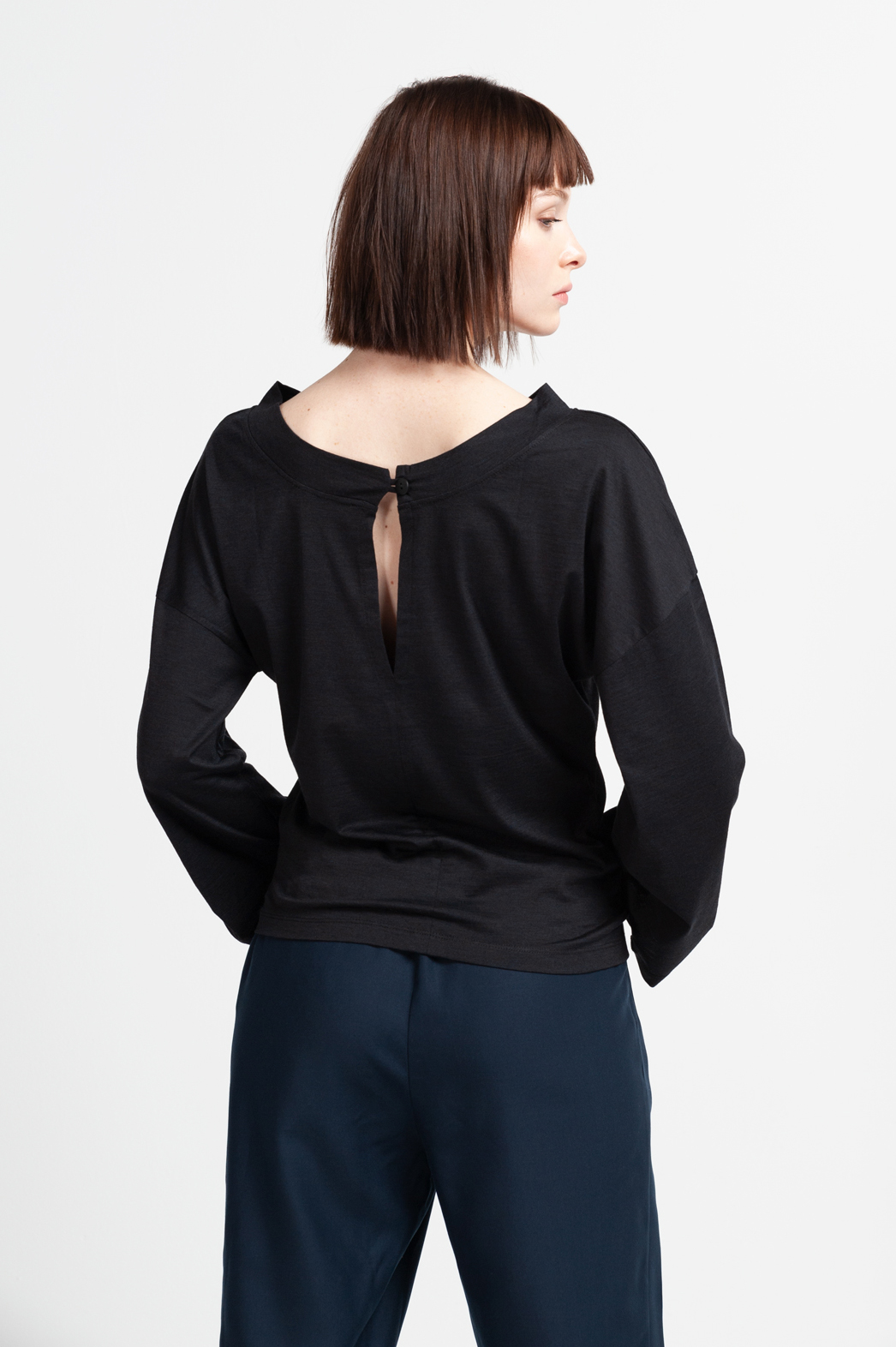 Roberta Organic Fashion Shipsheip Zaha Sweater.jpg
