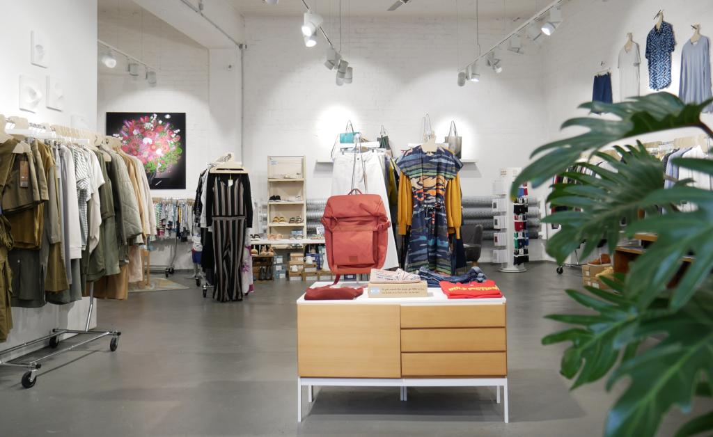 Roberta Organic Fashion Store Innen Fb