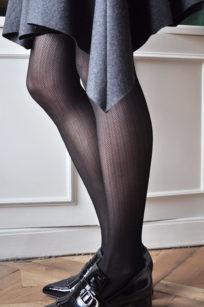 Nina Fishbone von Swedish STockings Strumpfhose mit Fischgrät Muster in schwarz
